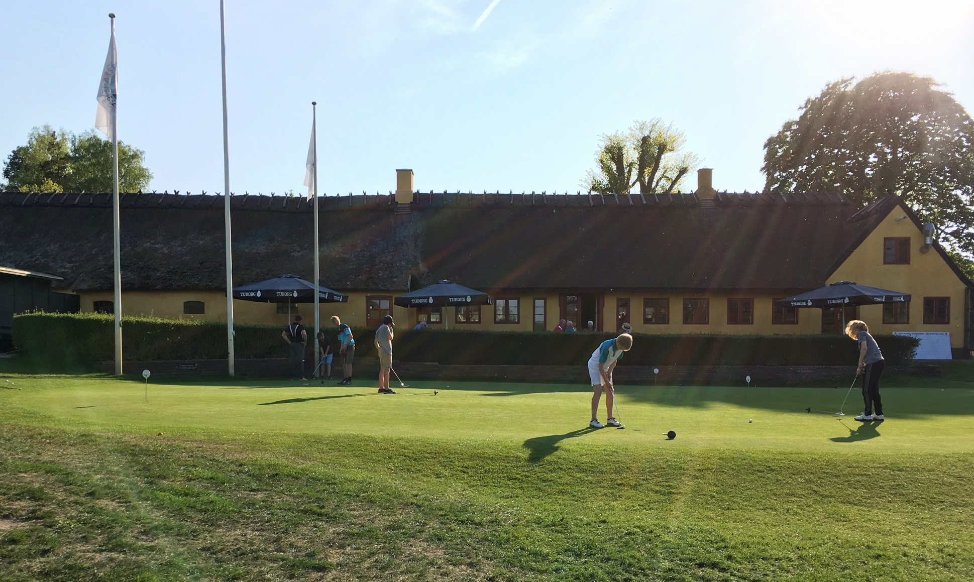 Golf foran Asserbo GC klubhus